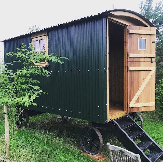 Mistletoe Cottage Shepherds Hut